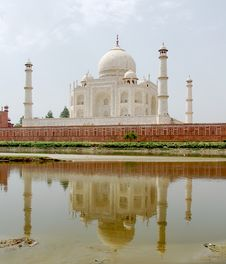Free Taj Mahal Reflection Royalty Free Stock Photography - 5750987
