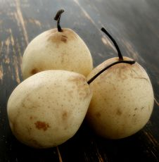 Free Three Pears Stock Photography - 5751502