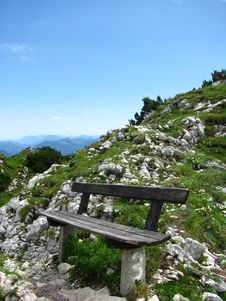 Free Alpine Mountain Bench Royalty Free Stock Photo - 5752135
