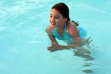 Free Smiling Girl In Swimming Pool Royalty Free Stock Image - 5753136
