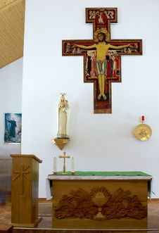 Free Cross On Wall Stock Image - 5754361