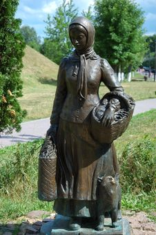Free Sculpture Of Russian Peasant Woman Royalty Free Stock Photo - 5754395