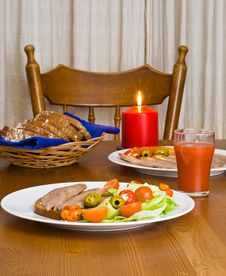 Free Served Table With Candle Royalty Free Stock Photos - 5754818