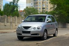 Free Silvery Car Stock Photography - 5755042