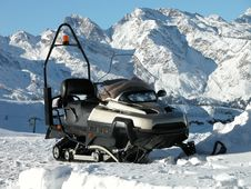 Free Snowmobile Stock Image - 5757371