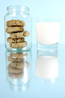 Free Milk And Cookies Stock Photo - 5763790