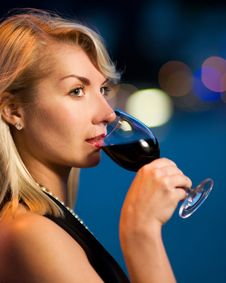 Free Lady Drinking Red Wine Royalty Free Stock Photography - 5765237