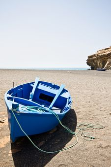 Free Blue Boat Royalty Free Stock Photo - 5767175