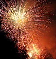 Free Fireworks Display Royalty Free Stock Photos - 5770158