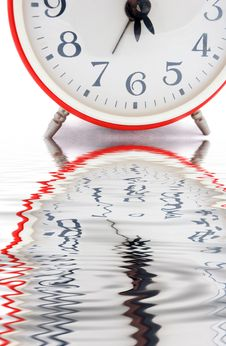 Free Red Alarm Clock Royalty Free Stock Photos - 5771368