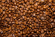 Free Heap Of Coffee Beans Royalty Free Stock Image - 5771536