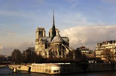 Free France, Paris: Notre Dame Cathedral Royalty Free Stock Images - 5775669