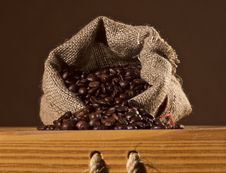 Free Coffee-beans Royalty Free Stock Photography - 5779837
