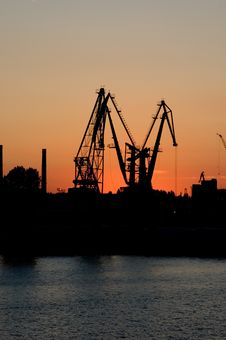 Free Elevating Cranes In Port Stock Images - 5782244
