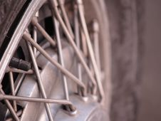 Free Vinatage Hubcap With Spokes Stock Images - 5785034
