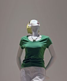 Free Mannequin In Green Royalty Free Stock Images - 5786039