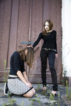 Free The Girl Kneeling Stock Image - 5786991