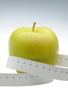 Free Green Apple With Measure Tape Royalty Free Stock Photos - 5789888
