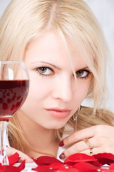 Free Lady With Wine Royalty Free Stock Photography - 5789967