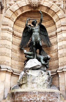 Free France, Paris: Saint Michel Stock Images - 5791434