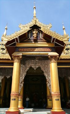 Free Gate Of Temple Near The Shwedagon Pagoda Royalty Free Stock Photography - 5793737
