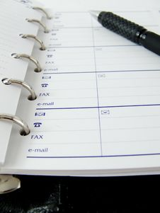 Free Notepad And Pen Royalty Free Stock Photos - 5793928