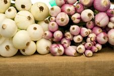 Free Onions Royalty Free Stock Images - 5796379