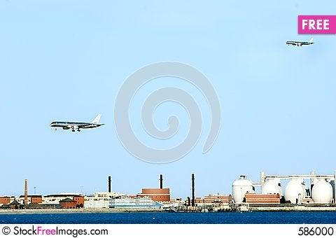 Free Aircrafts Preparing For Landing At Logan Airport. Stock Photo - 586000