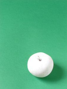 Free White Apple Royalty Free Stock Images - 580899