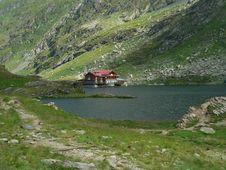Free Mountain Chalet Stock Image - 582591
