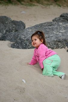 Free Crawling Through The Sand Stock Photo - 582890