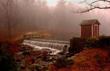 Free Small Waterfall Royalty Free Stock Image - 584896