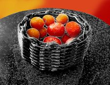 Free Fruit Bowl Royalty Free Stock Photo - 588315