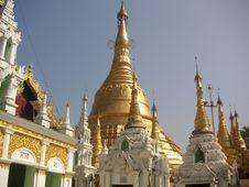 Free Shwedagon Pagoda Royalty Free Stock Images - 589369
