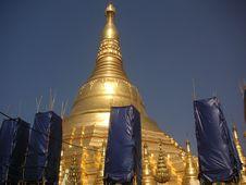Free Shwedagon Pagoda Stock Image - 589371