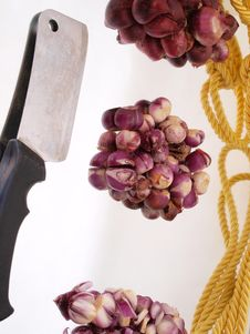 Free Progressive Cut Red Onions Composition Stock Images - 5803484