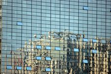 Free Buildings In Reflection Royalty Free Stock Images - 5804449
