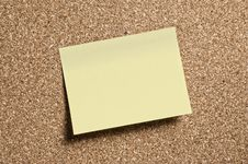 Free Notepaper On Cork Royalty Free Stock Photos - 5805888