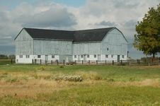 Free White Washed Barn Royalty Free Stock Photos - 5806208
