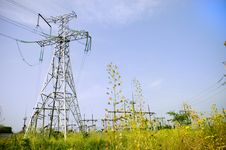 Free Electrical Towers On Blue Sky Background Stock Images - 5806474