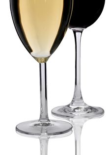 Free Two Glasses Of Wine Royalty Free Stock Images - 5806609