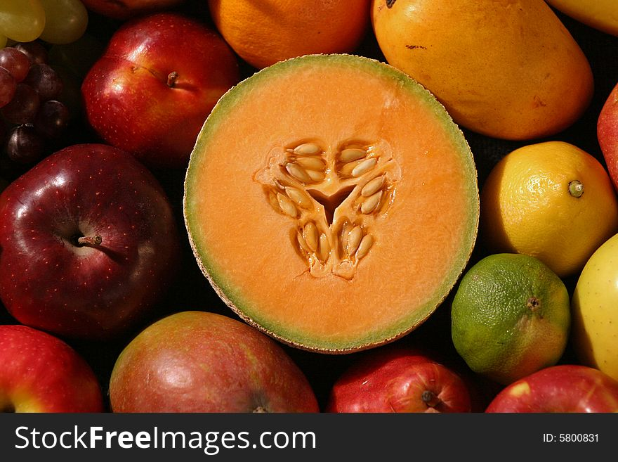 Sliced Cantaloupe, Whole Fruit