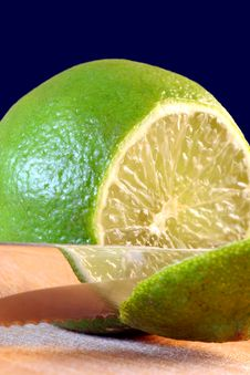 Free Lime Reflecting Stock Photo - 5810990