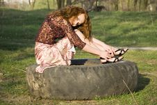 Free Girl In A Park Royalty Free Stock Photos - 5811108