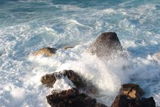 Free Waves Breaking On The Rocks Stock Photography - 5812612