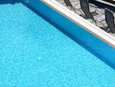 Free Pool And Deck Chairs Royalty Free Stock Images - 5814269