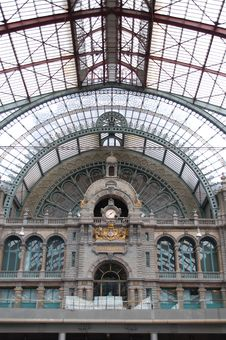 Free Ancient Clock In Antwerp Railway Station Royalty Free Stock Photo - 5814315