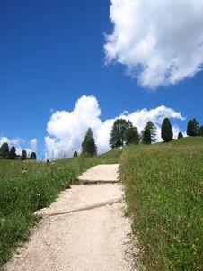 Free Mountain S Path Royalty Free Stock Photo - 5815035