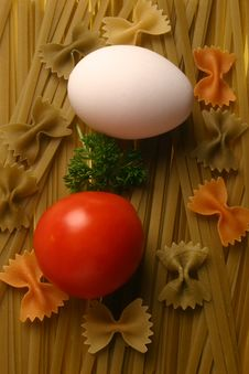 Free Fettuccine With Egg And Tomato Royalty Free Stock Image - 5815806