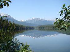 Free Mirroring Lake View Stock Image - 5816171